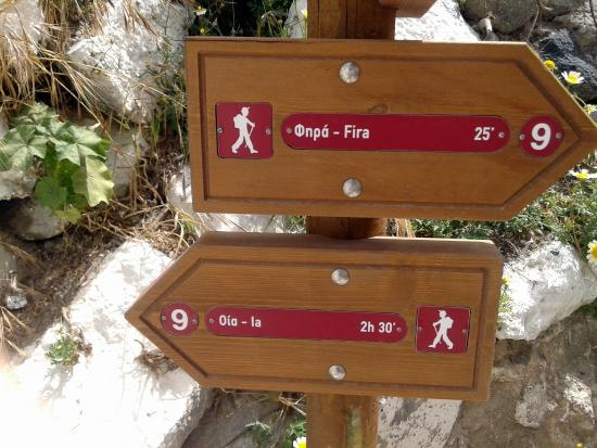 hiking-trail-fira-oia