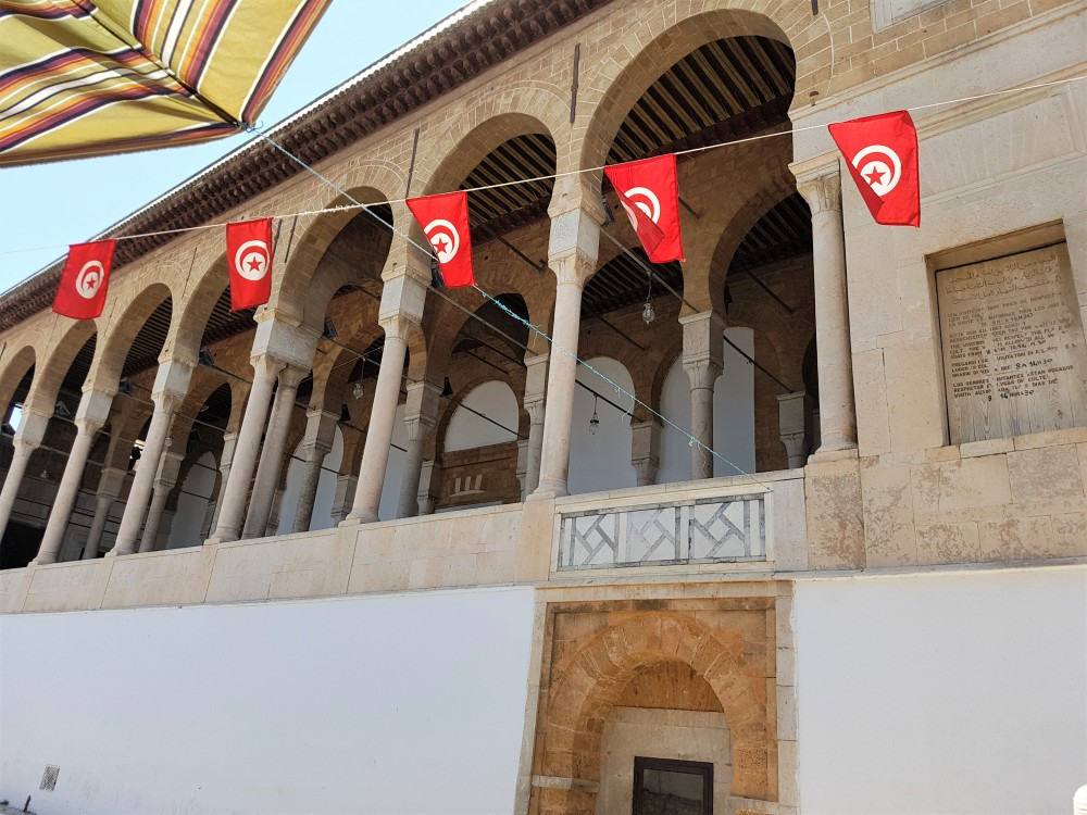 mosquée-drapeaux-tunis