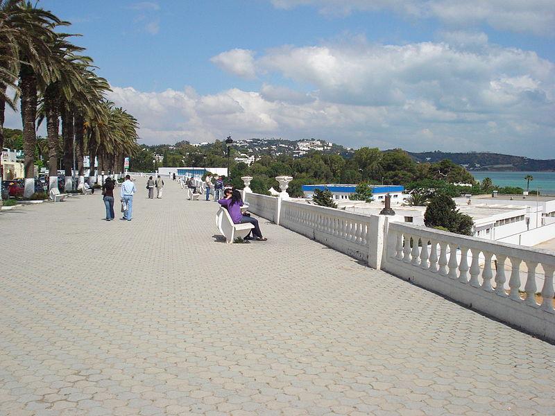 800px-Corniche_La_Marsa_Plage_2