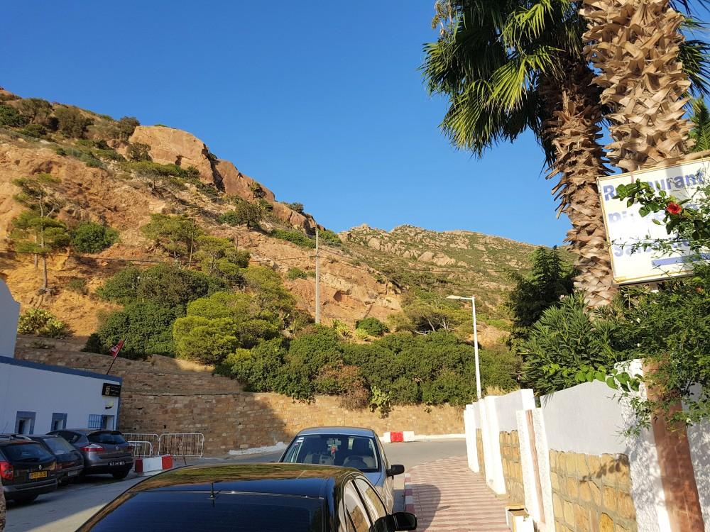 korbous-ville-montagne